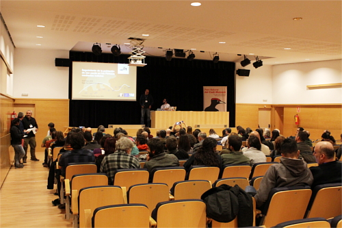 Aspecto de la sala de conferencias.
