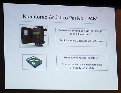 In this slide, she showed two devices with two different prices and philosophies: one from the Wildlife Acoustics and one from the AudioMoth.