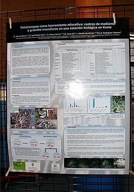 POSTER 5. Àlex Torres showed us how useful is the photo tramp as a didactic tool for species identification in Kenia